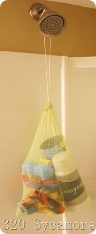 mesh bag to store bath toys