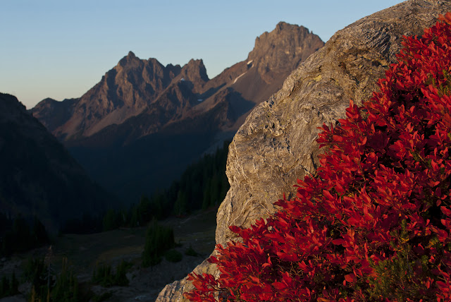 Sept/Oct 2012 - 2nd Place / Yellow Aster Butte / Credit: Javier Vega