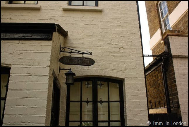 Hidden mews in Mayfair (5)
