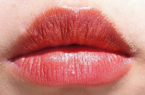 Like the other three Max Factor Lipsticks, S3x kitten is very pigmented,