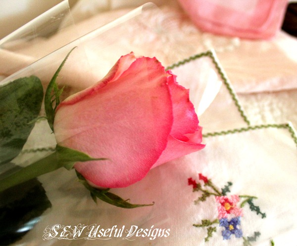 Hanky linen rose close up edit