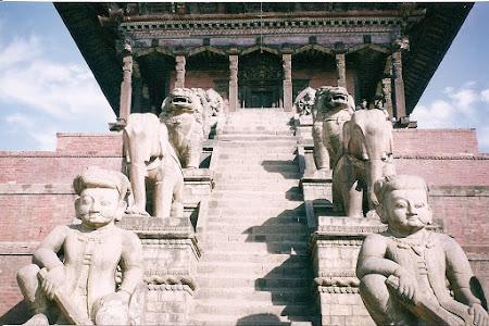 Sights of Nepal: Bhaktapur's highest temple