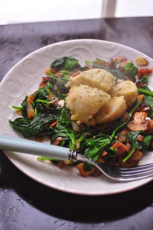 german_dumpling_spinach_mushroom
