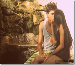 Smooch-kiss-cute-young-couple-feelings
