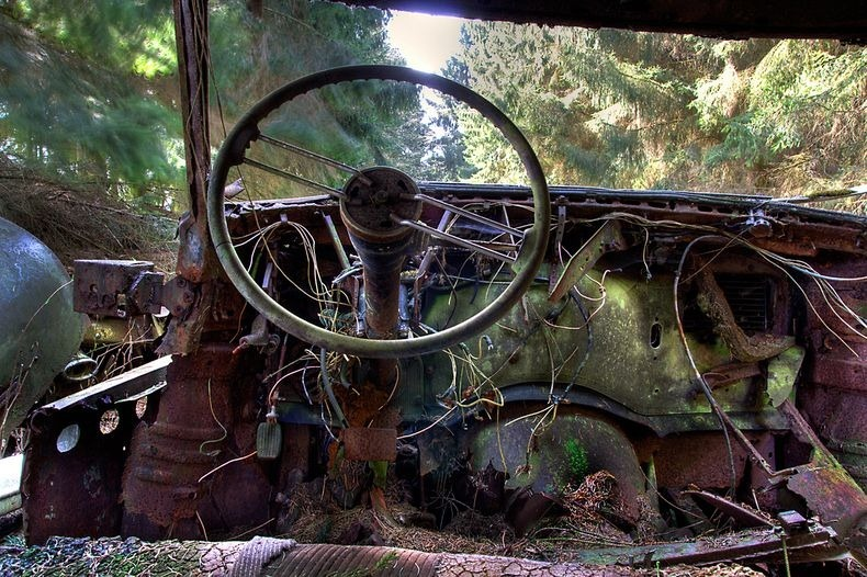 chatillon-car-graveyard-15