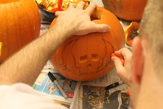 pumpkin-carving-skull