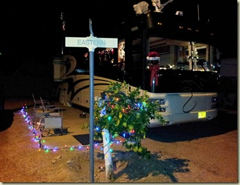 Foretravel Christmas decorations Apache Junction (2)