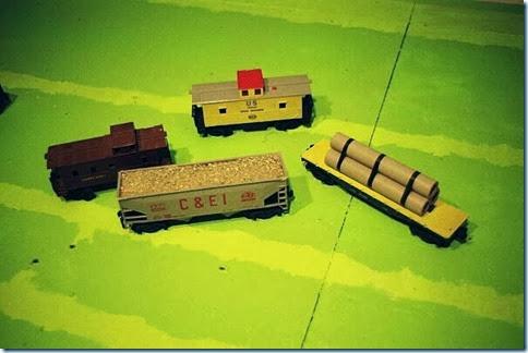 Lionel #6017 Caboose & Auburn CEI Hopper Car & KMT Caboose