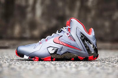 nike lebron 11 ps elite silver crimson camo 2 01 Nike LeBron 11 Elite Team Collection Outdoors and Up Close
