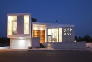 Casa-minimalista-arquitecto-Lambrianou