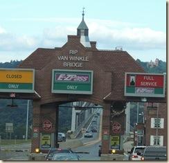567.Rip van Winkle bridge