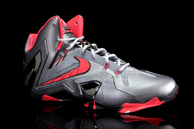 lebron11 elite team collection 06 web black The Showcase: Nike LeBron XI Elite Team Collection
