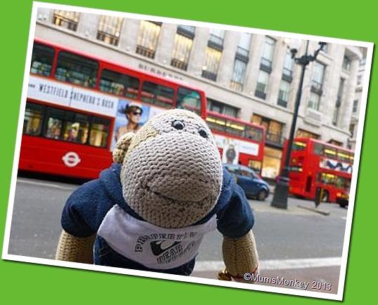 London Buses Akimbo