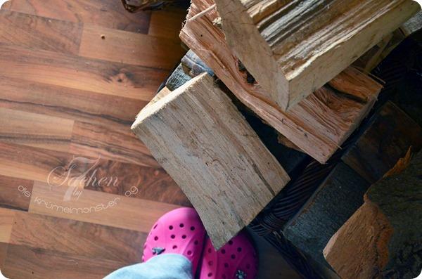 4 von 7 - Holz holen