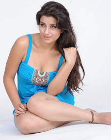 Actress Madhurima Latest Hot Stills ( 18  Stills)