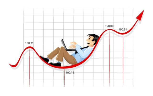 2034-Businessman-working-on-the-currency-chart-line