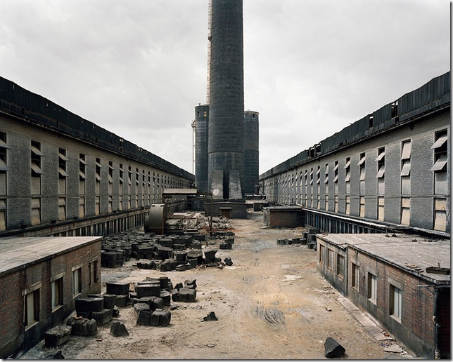 Old factories -  abandoned factory in China- Edward Burtynsky