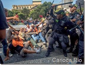 Professores e policiais entram em confronto enquanto vereadores do Rio discutem, com plenário vazio, o plano de cargos do magistério municipal