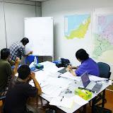 ビントゥルにあるオフィスでのミーティング模様 / Staff meeting at our office in Bintulu