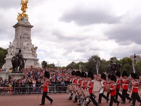 17. Buckingham Palace (2).JPG