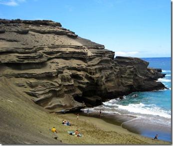 201202-w-unusual-beaches-papakolea