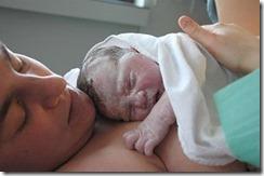 bebe-madre-recien-nacido