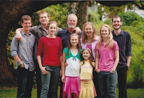 familyphoto_1-580x398