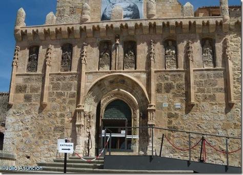 Galeria de condes y reyes del Monasterio de San Salvador de Oña