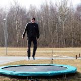 Morten skulle også lige prøve - men der skal vist lidt øvelse til, førhan laver tricks som Sidsel