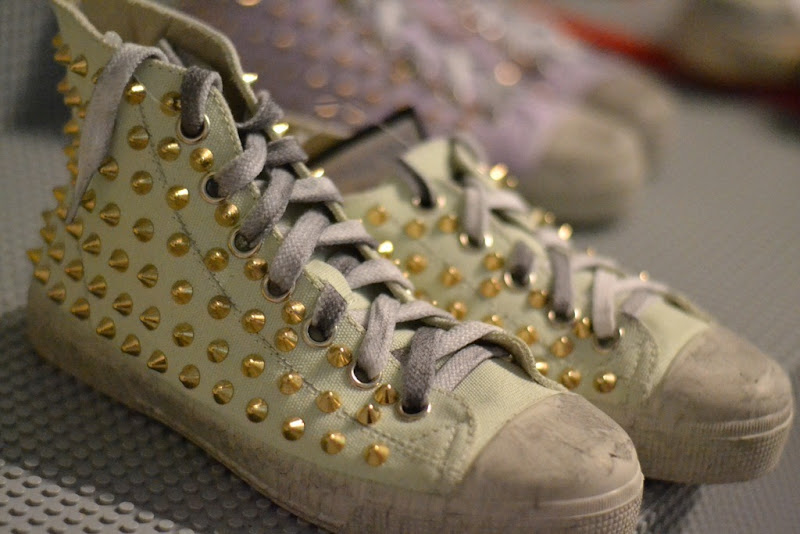 Gienchi, Gienchi shoes, Studded shoes
