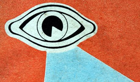 sob vigilância total