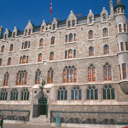 17.- Gaudí. Palacio de los Botines