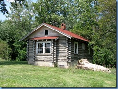 4189 Indiana - Benton, IN - Lincoln Highway (US-33) - remnants of Benton's Log Cabin Camp