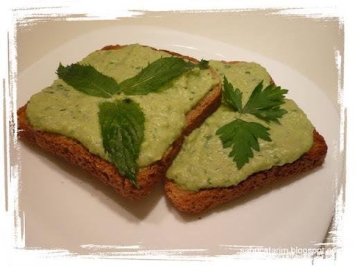 pasta de mazare si fasole verde (4).JPG