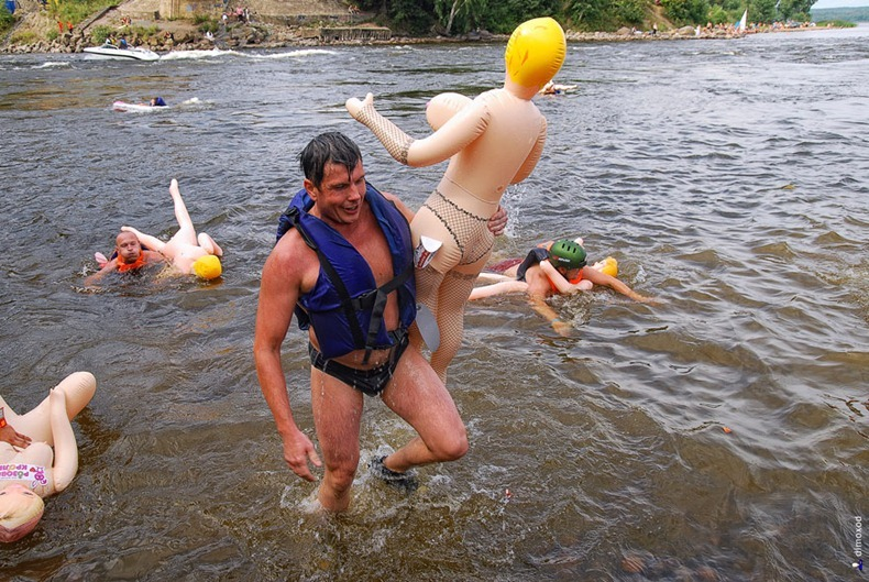 sex-doll-rafting22