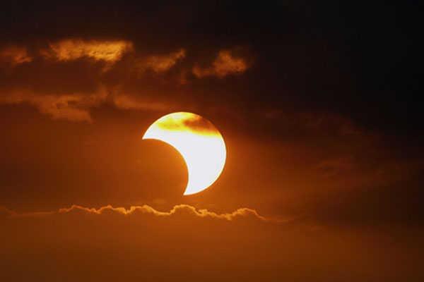 9- Eclipse solar