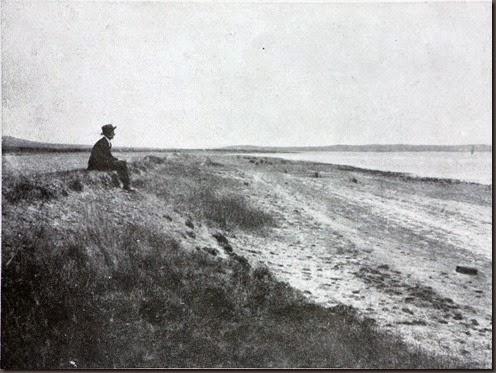 En 1925 Francisco Hernández Pacheco y Pedro Arantegui visitan Gallocanta para escribir en el Boletín de la Real Sociedad Española de Historia Natural