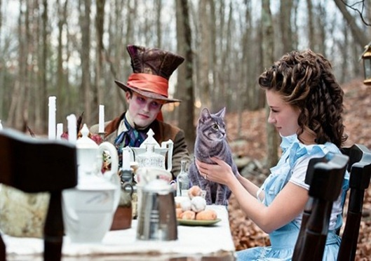 Alice-In-Wonderland-Wedding-7-580x386