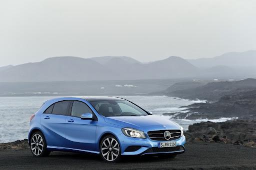 2012-Mercedes-A-11.jpg