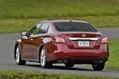 2013-Nissan-Altima-2