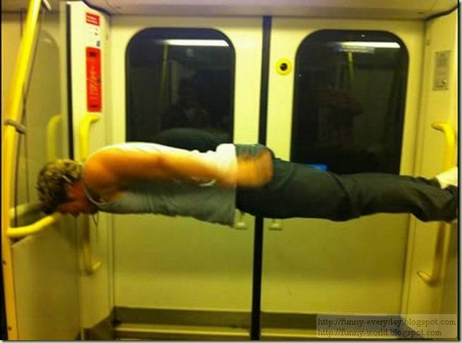 weirdest-people-on-the-subway08