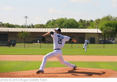 'Rick Porcello IMG_1103' photo (c) 2014, Roger DeWitt - license: https://creativecommons.org/licenses/by/2.0/