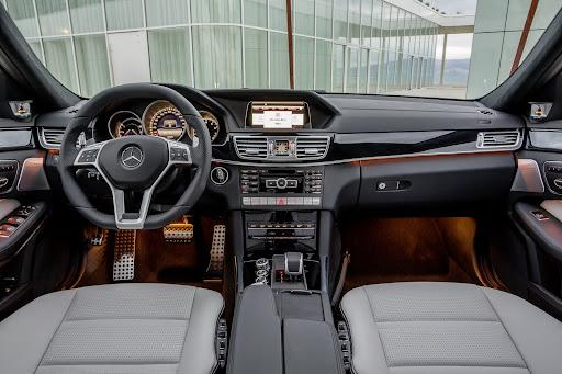Mercedes-Benz-E-63-AMG-30.jpg