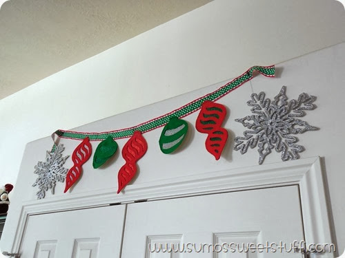 Felt Ornament Banner at SumosSweetStuff.com #christmas #decoration