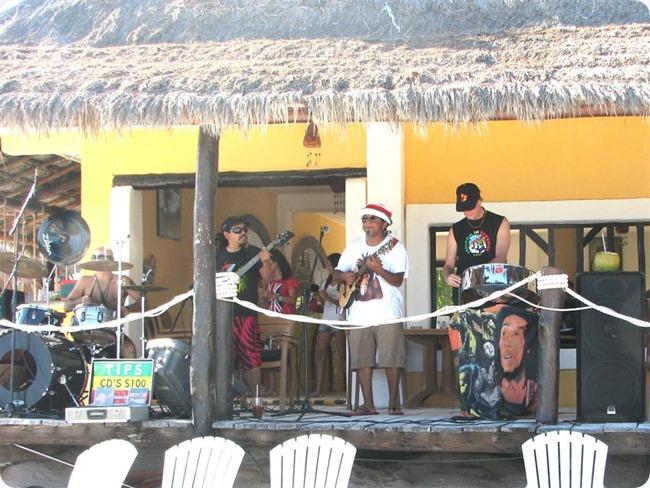 La Playa Restaurant Band