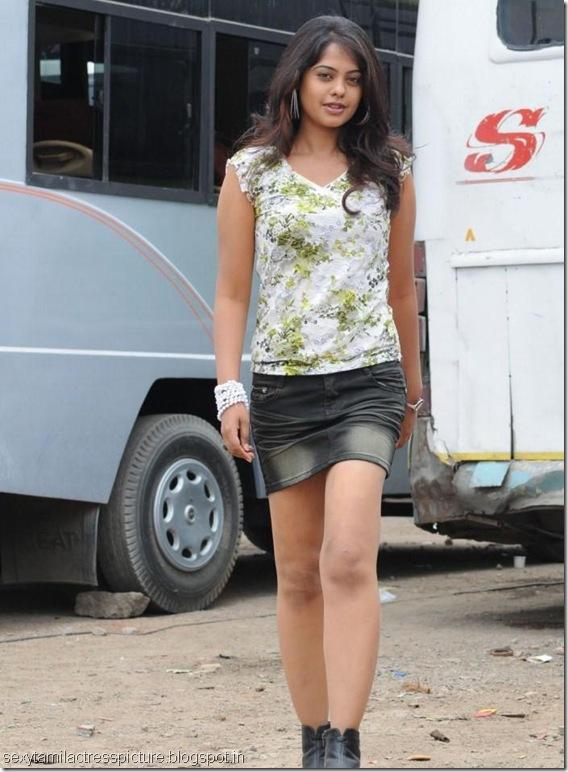 sexy-bindu-madhavi-thigh-images
