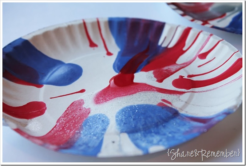 4th of July Spin Art glitter paint