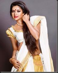 amala paul latest hot_pic-in saree