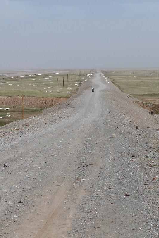 Ultimii kilometri fara sosea din Kyrgystan.