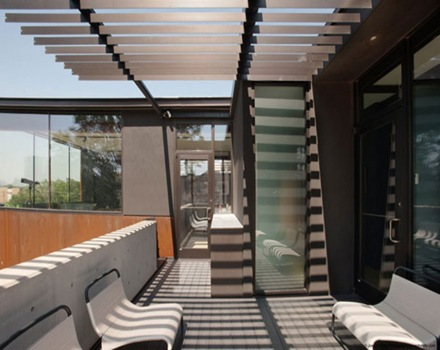 terraza-cubierta-casa-moderna